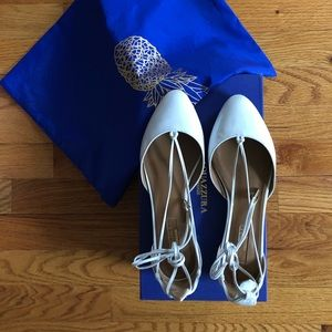 Aquazzura white patent leather lace up flats - 36